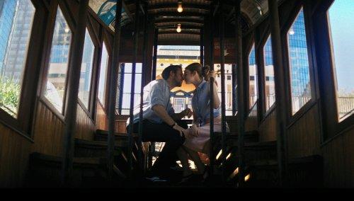 lalaland-ryan-gosling-emma-stone-kiss-1